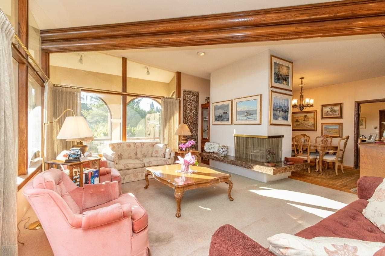 Photo 6: Photos: 385 MONTERAY Avenue in North Vancouver: Upper Delbrook House for sale : MLS®# R2582994