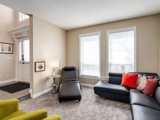 Photo 4: 123 SIGNATURE Terrace SW in Calgary: Signal Hill Detached for sale : MLS®# C4303183