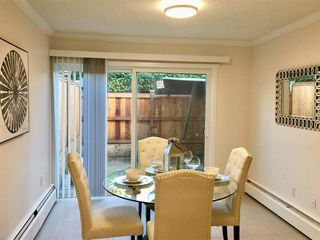"""Photo 4: 2749 WESTVIEW Drive in North Vancouver: Upper Lonsdale Townhouse for sale in """"CYPRESS GARDENS"""" : MLS®# R2231140"""