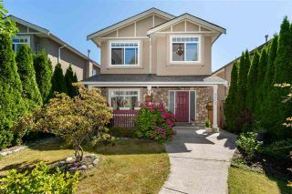 Photo 1: 2052 Jones Ave in North Vancouver: Central Lonsdale House for sale : MLS®# R2289398