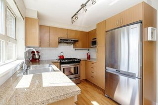 Photo 14: 303 3105 LINCOLN AVENUE in Coquitlam: New Horizons Condo for sale : MLS®# R2493905