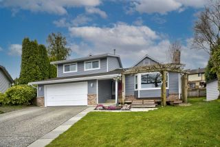 """Photo 1: 34602 SEMLIN Place in Abbotsford: Abbotsford East House for sale in """"Bateman Park"""" : MLS®# R2564096"""