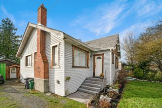 Photo 3: 13 W Maddock Ave in Saanich: SW Gorge House for sale (Saanich West)  : MLS®# 860784