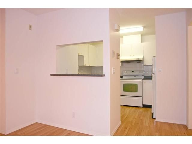 """Photo 6: Photos: # 284 8333 JONES RD in Richmond: Brighouse South Townhouse for sale in """"CAMELIA GARDENS"""" : MLS®# V985608"""
