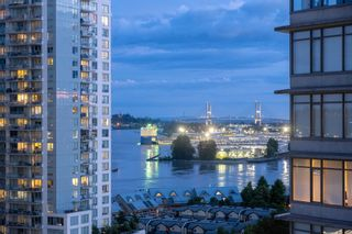 """Main Photo: 1910 888 CARNARVON Street in New Westminster: Downtown NW Condo for sale in """"MARINUS!!"""" : MLS®# R2593900"""