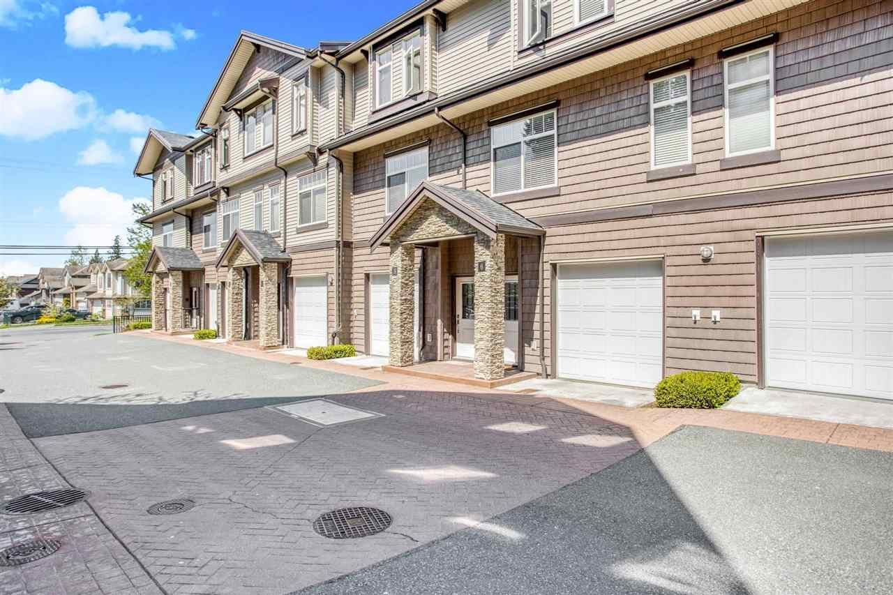 """Main Photo: 5 2950 LEFEUVRE Road in Abbotsford: Abbotsford West Townhouse for sale in """"Cedar Landing"""" : MLS®# R2578645"""