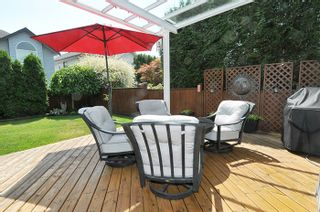 Photo 16: 19456 THORBURN WAY in Pitt Meadows: South Meadows House for sale : MLS®# R2189637