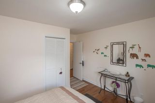 Photo 23: 127 Wedgewood Drive SW in Calgary: Wildwood Detached for sale : MLS®# A1056789