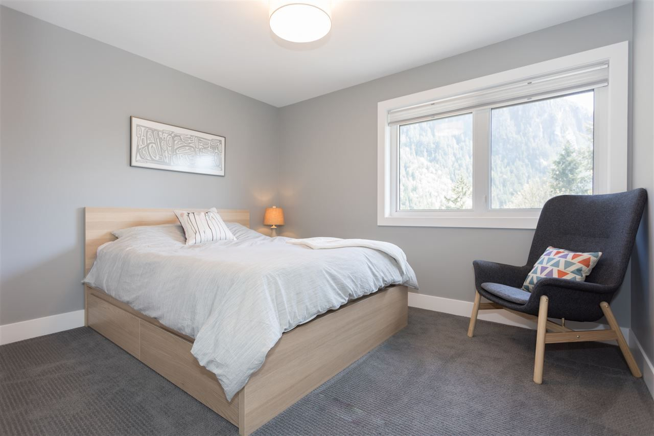 """Photo 11: Photos: 2252 WINDSAIL Place in Squamish: Plateau House for sale in """"Crumpit Woods"""" : MLS®# R2365036"""