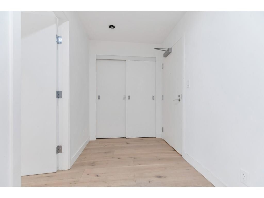 """Photo 3: Photos: 1704 128 W CORDOVA Street in Vancouver: Downtown VW Condo for sale in """"WOODWARDS"""" (Vancouver West)  : MLS®# R2592545"""