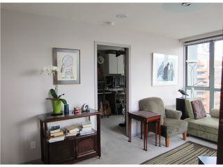 """Photo 4: # 1807 1188 HOWE ST in Vancouver: Downtown VW Condo for sale in """"1188 HOWE"""" (Vancouver West)  : MLS®# V937383"""