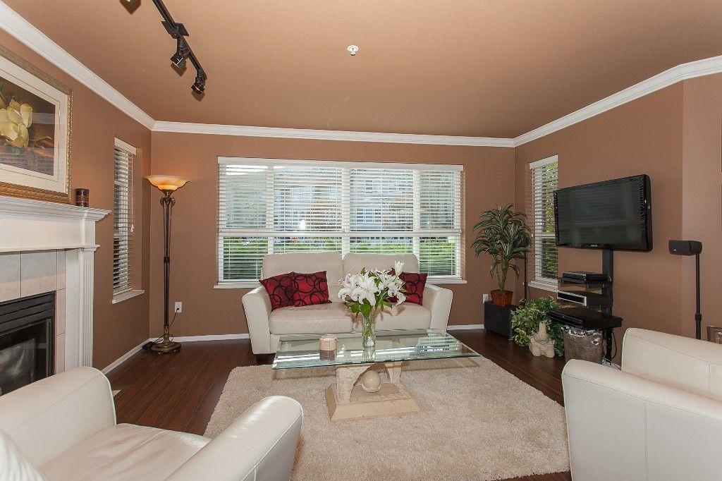 "Photo 3: Photos: 110 20200 54A Avenue in Langley: Langley City Condo for sale in ""MONTEREY GRANDE"" : MLS®# R2219165"