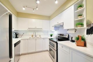 """Photo 9: 104 15111 RUSSELL Avenue: White Rock Condo for sale in """"Pacific Terrace"""" (South Surrey White Rock)  : MLS®# R2594062"""
