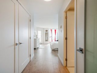 """Photo 13: 1006 1235 QUAYSIDE Drive in New Westminster: Quay Condo for sale in """"RIVIERA TOWER"""" : MLS®# R2612437"""