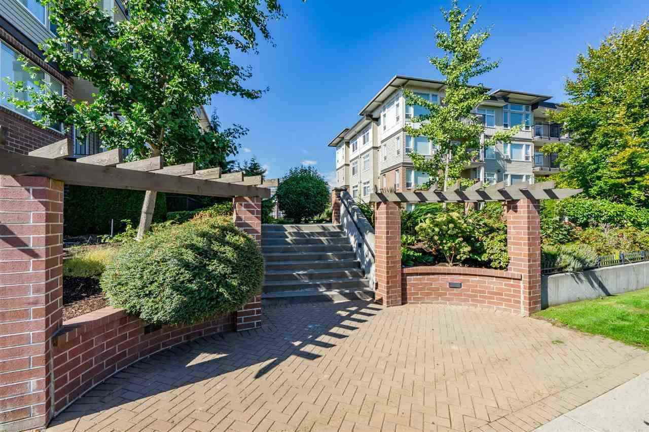 """Main Photo: 319 46289 YALE Road in Chilliwack: Chilliwack E Young-Yale Condo for sale in """"NEWMARK"""" : MLS®# R2507813"""