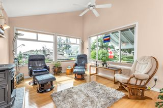 """Photo 5: 13048 MARINE Drive in Surrey: Crescent Bch Ocean Pk. House for sale in """"OCEAN PARK"""" (South Surrey White Rock)  : MLS®# R2616600"""