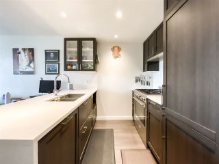 """Photo 2: 515 5598 ORMIDALE Street in Vancouver: Collingwood VE Condo for sale in """"wall centre central park"""" (Vancouver East)  : MLS®# R2560362"""