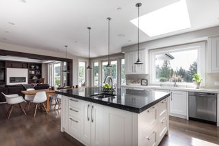 Photo 12: 5349 KENSINGTON Crescent in West Vancouver: Caulfeild House for sale : MLS®# R2597433