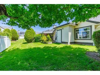 """Photo 31: 106 19649 53 Avenue in Langley: Langley City Townhouse for sale in """"Huntsfield Green"""" : MLS®# R2595915"""