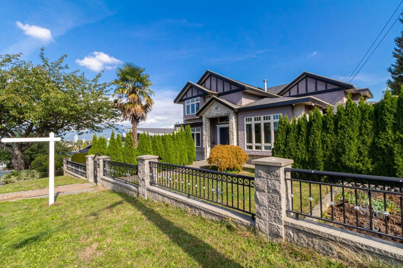 Main Photo: 3808 CARDIFF Place in Burnaby: Central Park BS House for sale (Burnaby South)  : MLS®# R2619858