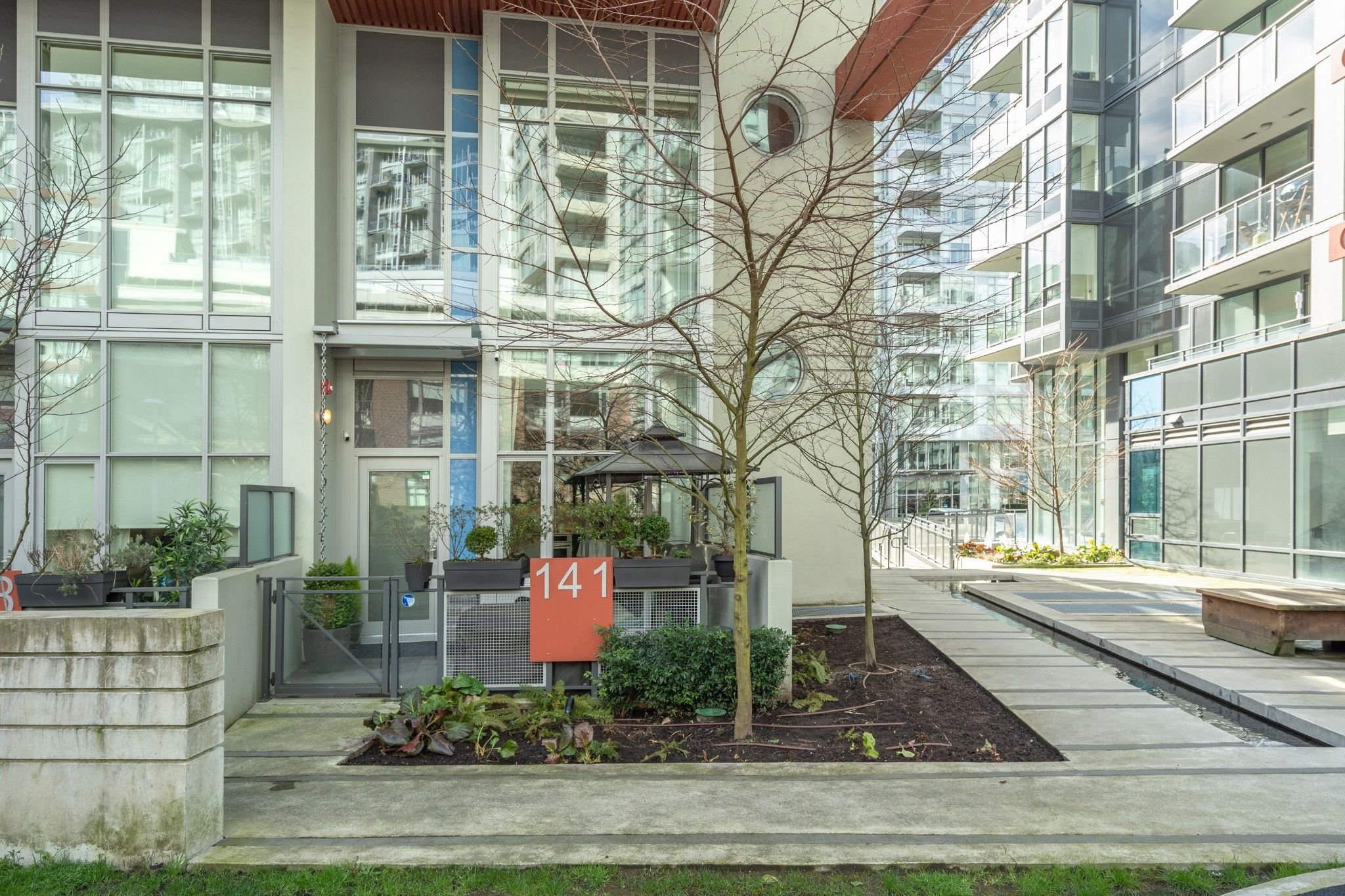 "Main Photo: 141 E 1ST Avenue in Vancouver: Mount Pleasant VE Townhouse for sale in ""Block 100"" (Vancouver East)  : MLS®# R2440709"