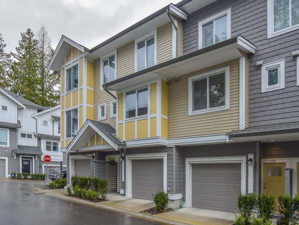 """Main Photo: 121 9718 161A Street in Surrey: Fleetwood Tynehead Townhouse for sale in """"Canopy"""" : MLS®# R2501716"""
