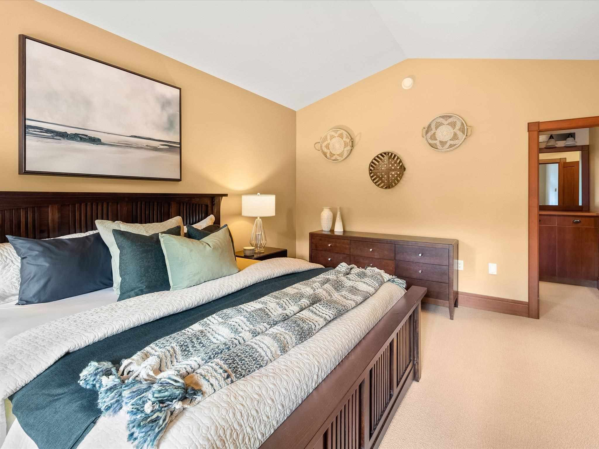 Photo 11: Photos: 4 2500 TALUSWOOD PLACE in Whistler: Nordic Townhouse for sale : MLS®# R2593995
