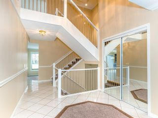 Photo 4: 51 1901 VARSITY ESTATES Drive NW in Calgary: Varsity House for sale : MLS®# C4121820