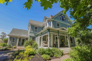 Photo 2: 850 Clifton Avenue in Windsor: 403-Hants County Residential for sale (Annapolis Valley)  : MLS®# 202115587