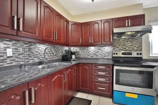 Photo 8: 204 180 Mississauga Valley Boulevard in Mississauga: Mississauga Valleys Condo for sale : MLS®# W4542516