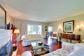 """Photo 4: 6396 CHARING Court in Burnaby: Buckingham Heights House for sale in """"BUCKINGHAM HEIGHTS"""" (Burnaby South)  : MLS®# R2183844"""