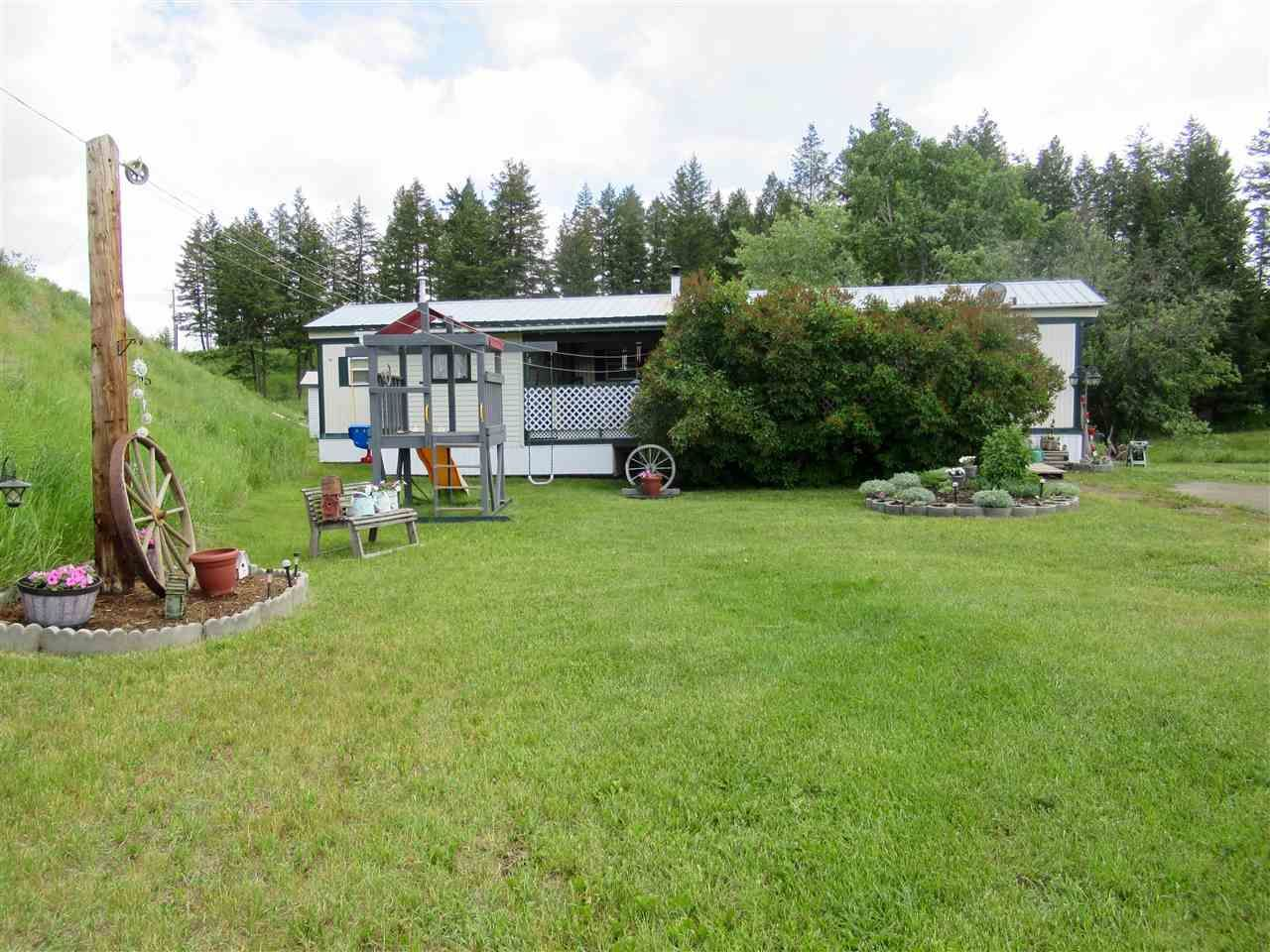 Main Photo: 7 SETTLER Place: 150 Mile House Manufactured Home for sale (Williams Lake (Zone 27))  : MLS®# R2387458