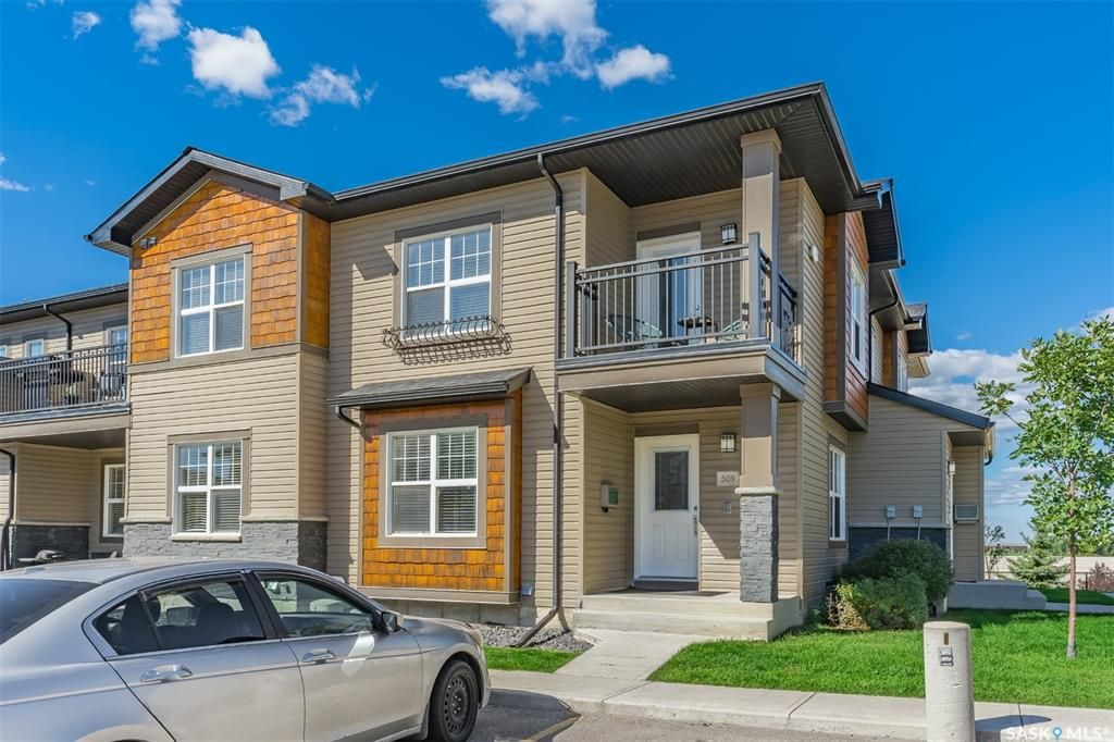 Main Photo: 509 1015 Patrick Crescent in Saskatoon: Willowgrove Residential for sale : MLS®# SK870103