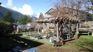 """Photo 18: 1151 AXEN Road in Squamish: Brackendale House for sale in """"Brackendale"""" : MLS®# R2047155"""