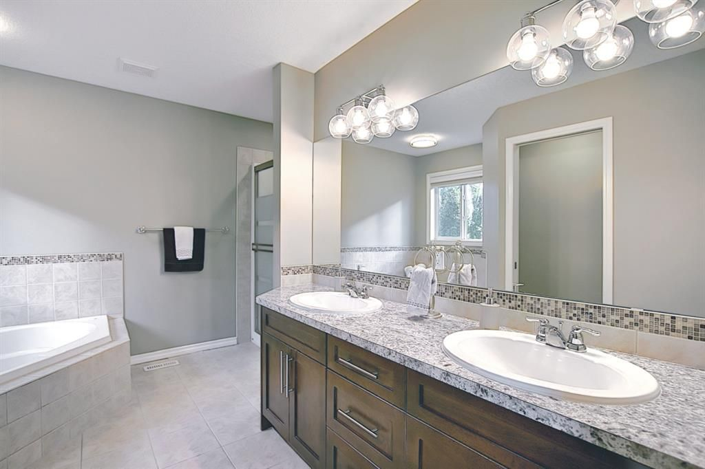 Photo 18: Photos: 14 ASPEN HILLS Manor SW in Calgary: Aspen Woods Detached for sale : MLS®# A1116032