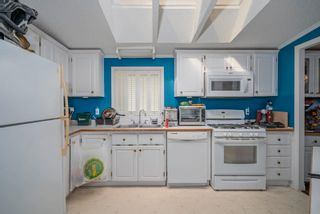 """Photo 9: 85 7790 KING GEORGE Boulevard in Surrey: East Newton Manufactured Home for sale in """"CRISPEN BAYS"""" : MLS®# R2617693"""
