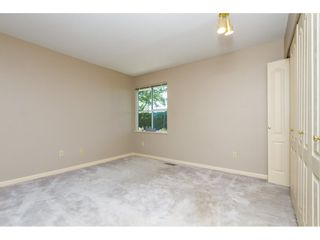"""Photo 14: 101 15439 100 Avenue in Surrey: Guildford Townhouse for sale in """"PLUM TREE LANE"""" (North Surrey)  : MLS®# R2095755"""