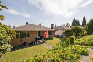 Photo 3: 4714 PARKER Street in Burnaby: Brentwood Park House for sale (Burnaby North)  : MLS®# R2614771