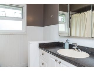 """Photo 10: 33329 RAINBOW Avenue in Abbotsford: Abbotsford West House for sale in """"Hoon Park"""" : MLS®# R2452789"""