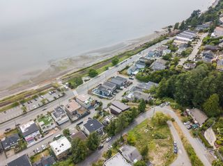 """Photo 39: 14616 WEST BEACH Avenue: White Rock House for sale in """"WHITE ROCK"""" (South Surrey White Rock)  : MLS®# R2408547"""