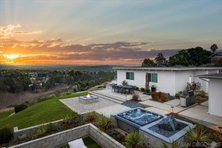 Photo 3: CARLSBAD WEST House for sale : 5 bedrooms : 3800 Alder Ave in Carlsbad
