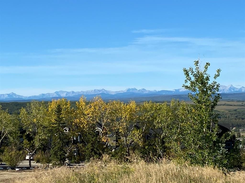 Huge lot one of the highest elevation with panorama Mountain and City views