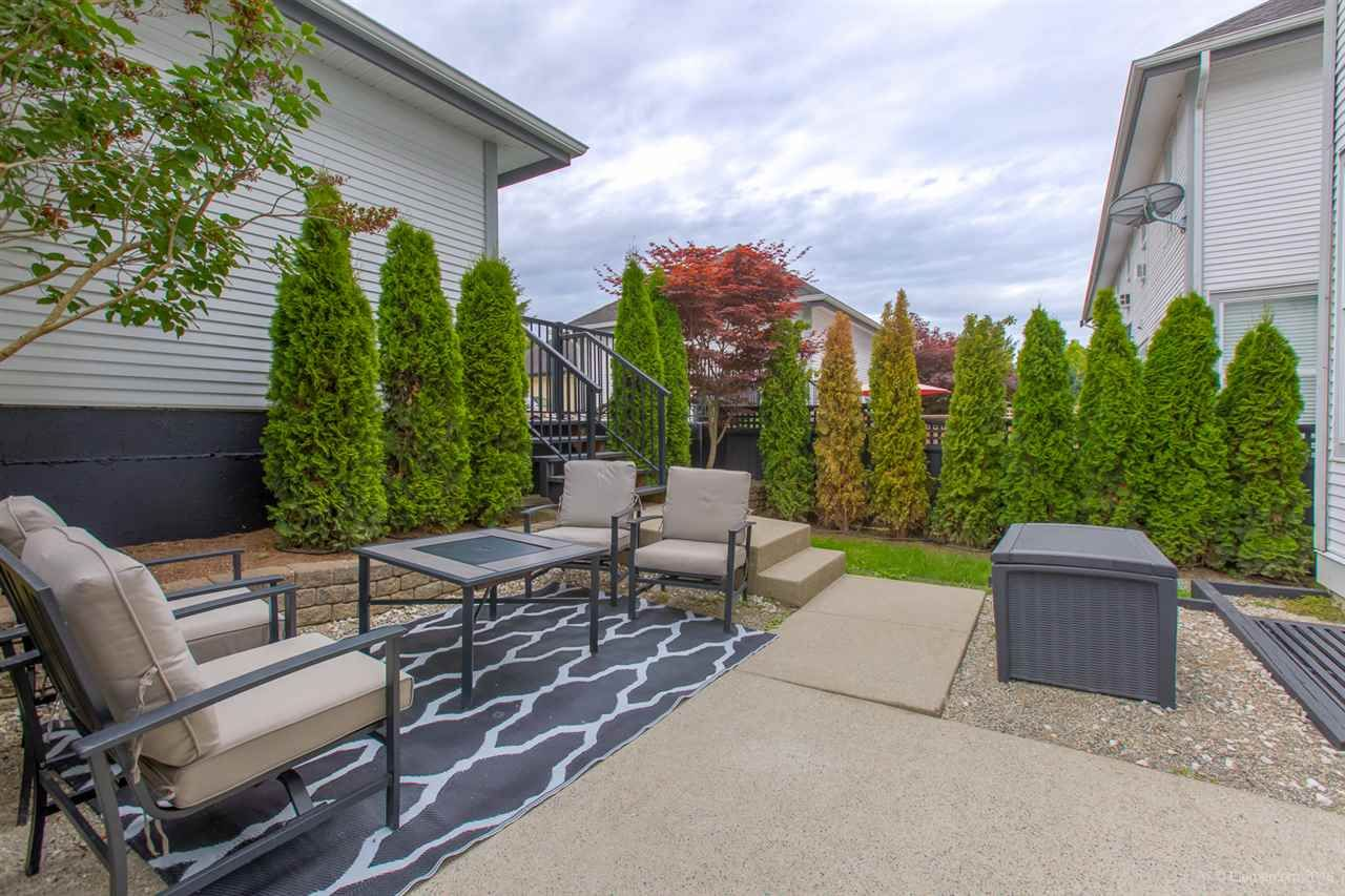 """Photo 17: Photos: 7014 179A Street in Surrey: Cloverdale BC Condo for sale in """"TERRACES AT PROVINCETON"""" (Cloverdale)  : MLS®# R2391476"""