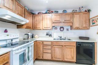 "Photo 13: 108 14950 THRIFT Avenue: White Rock Condo for sale in ""THE MONTEREY"" (South Surrey White Rock)  : MLS®# R2432223"