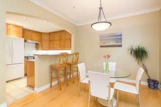 """Photo 8: 5412 LARCH Street in Vancouver: Kerrisdale Townhouse for sale in """"LARCHWOOD"""" (Vancouver West)  : MLS®# R2466772"""
