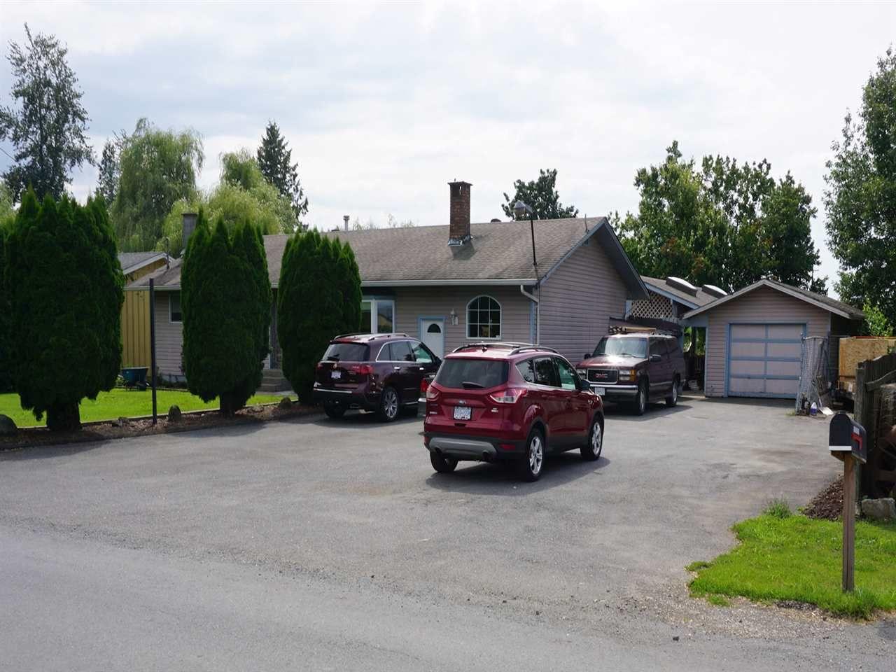 "Main Photo: 10405 MCGRATH Road in Rosedale: Rosedale Popkum House for sale in ""ROSEDALE POPKUM"" : MLS®# R2093180"
