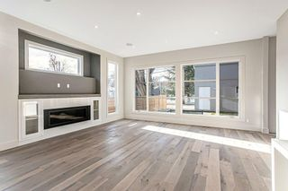 Photo 9: 3704 5 Avenue SW in Calgary: Spruce Cliff Detached for sale : MLS®# C4296636