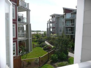Photo 2: 206 4233 Bayview Street in Richmond: Home for sale
