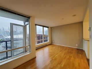 "Photo 1: 2506 939 EXPO Boulevard in Vancouver: Yaletown Condo for sale in ""Max II"" (Vancouver West)  : MLS®# R2575911"