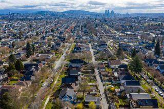 "Photo 11: 2142 NAPIER Street in Vancouver: Grandview Woodland House for sale in ""Grandview Woodland"" (Vancouver East)  : MLS®# R2450268"
